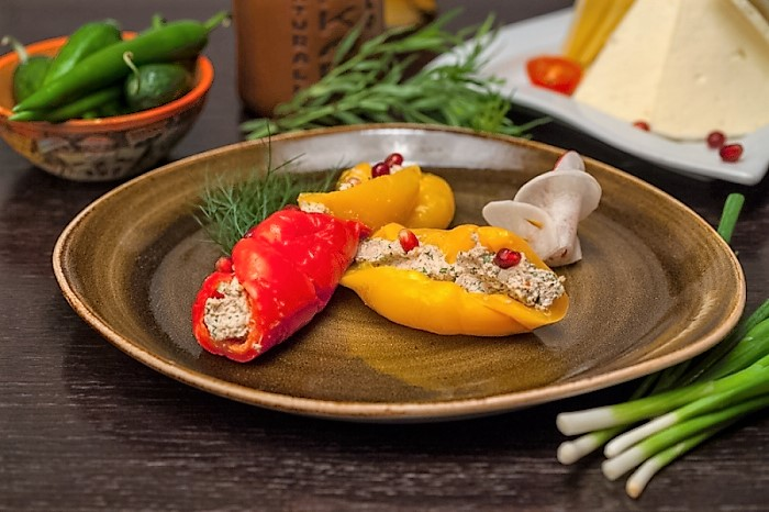 Red pepper stuffed with walnuts